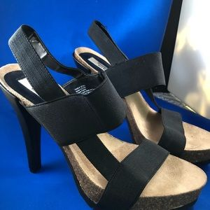 Simply Vera Wang high heels sandals, almost new